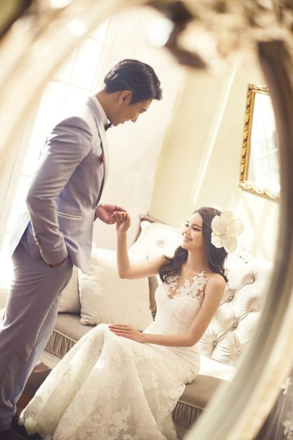 Biżuteria ślubna dla mężczyzny – tylko zegarek i spinki do mankietów