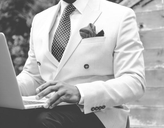 Jak mężczyzna powinien ubrać się na ślub